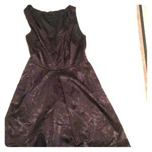 Dresses & Skirts - Black dress with floral print, size S